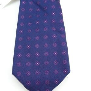 Calvin Klein Men's  Cross Medallion Neck Tie